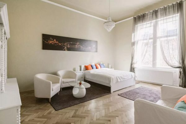 Two Bedroom Flat for Sale in Podmaniczky utca District 6